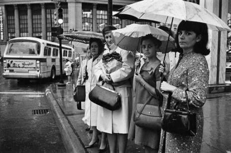 SBL_women at bus stop